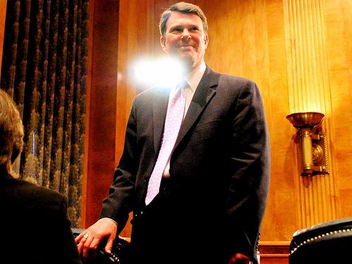 smiling-lobbyist-senate-dirksen-building